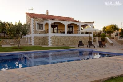 3-villas-for-sell-in-douliana-0001