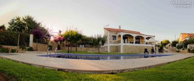 3-villas-for-sell-in-douliana-0004