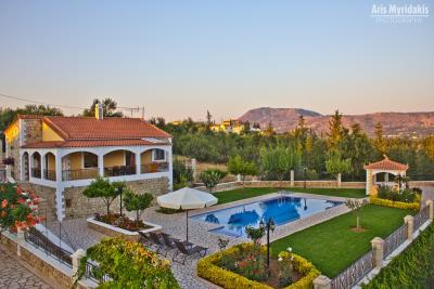 3-villas-for-sell-in-douliana-0006