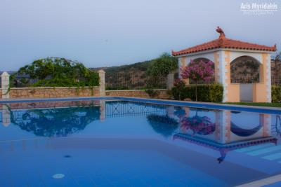 3-villas-for-sell-in-douliana-0008