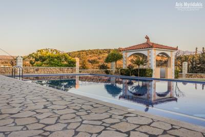 3-villas-for-sell-in-douliana-0012