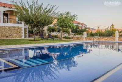 3-villas-for-sell-in-douliana-0013