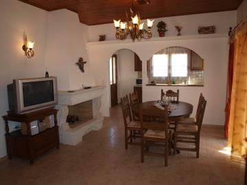 3-villas-for-sell-in-douliana-0016