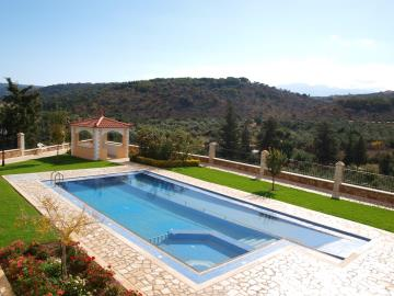 3-villas-for-sell-in-douliana-0023