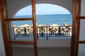 Image No.3-Un hôtel de 6 chambres à vendre à Kalyves