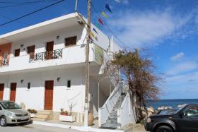 Image No.0-Un hôtel de 6 chambres à vendre à Kalyves