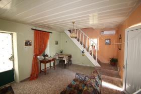 Image No.2-Maison de village de 4 chambres à vendre à Kalyves