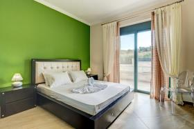 Image No.5-Villa de 4 chambres à vendre à Almyrida