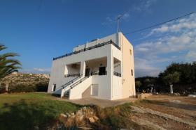 Image No.2-Villa de 4 chambres à vendre à Plaka