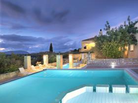 Image No.1-19 Bed Villa for sale