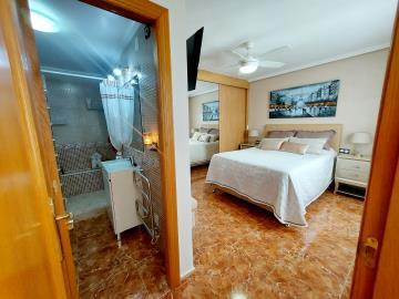 Buitekant-master-bed-suite