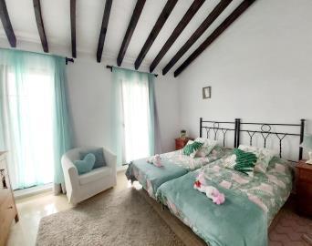 Green-Guest-Bedroom