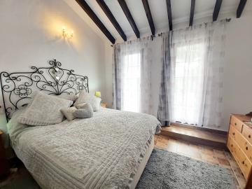 Silver-guest-bedroom