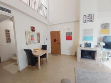 Lounge-Door-View