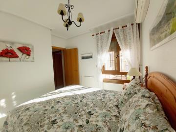 Downstairs-bedroom-1b