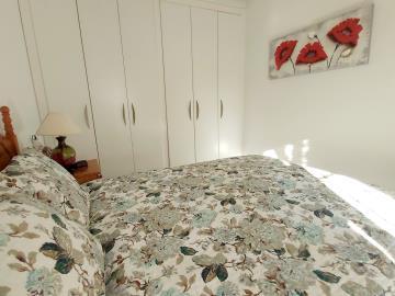 Downstairs-Bedroom-1c