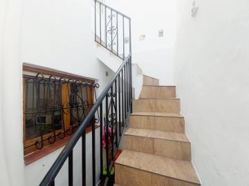 Rear-Inner-Staircase-2
