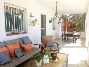 Conservatory-Lounge-2