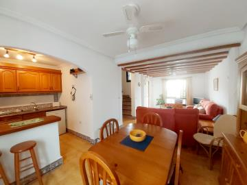 Full-View-Living-Area