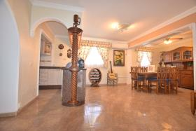 Image No.12-5 Bed House/Villa for sale