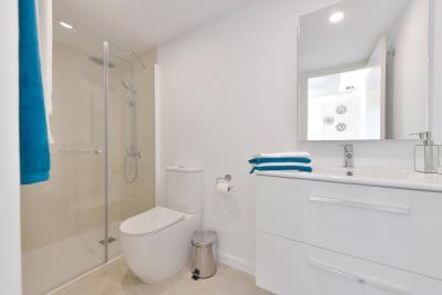 08-Bathroom