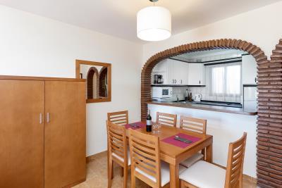 Delta_Mar_Suites_Living_Room_02