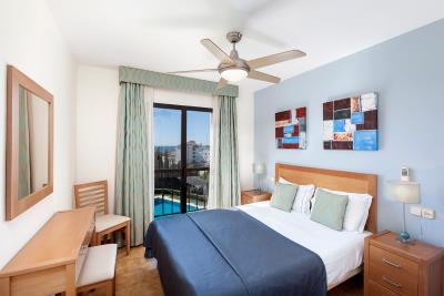 1_Delta_Mar_Suites_Bedroom_05