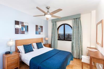 3_Delta_Mar_Suites_Bedroom_02