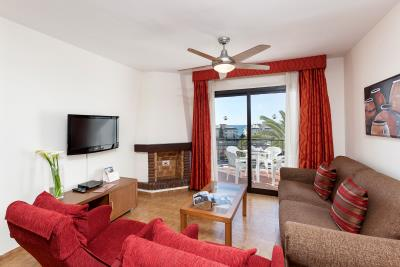 Delta_Mar_Suites_Living_Room_01