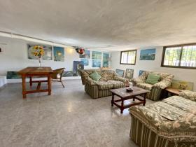 Image No.15-4 Bed Villa / Detached for sale