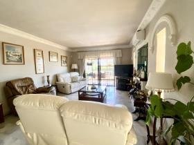 Image No.32-4 Bed Villa / Detached for sale