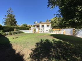 Image No.37-4 Bed Villa / Detached for sale