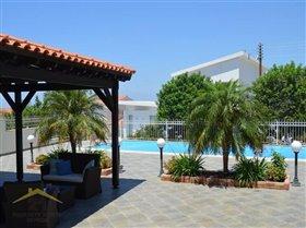 Image No.0-Villa de 5 chambres à vendre à Konia