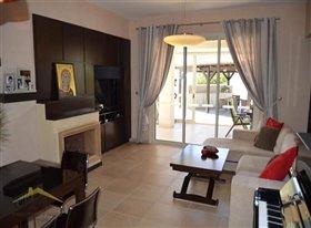 Image No.11-Villa de 5 chambres à vendre à Konia
