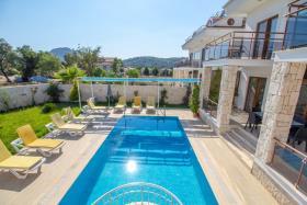 Image No.2-Villa de 4 chambres à vendre à Hisaronu