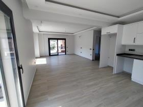 Image No.6-3 Bed Duplex for sale