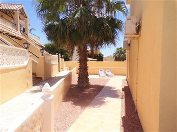 5747-for-holiday-in-villamartin-339657-large