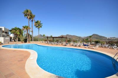 Photo-Los-Altos-s-pool
