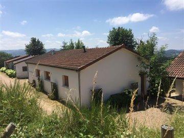 1 - Châtel-Montagne, House