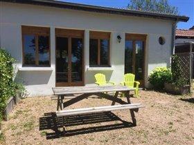 Image No.13-Maison de 17 chambres à vendre à Châtel-Montagne