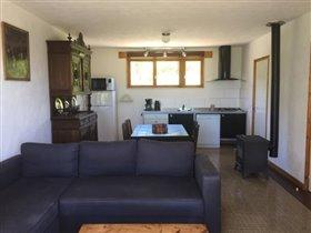Image No.14-Maison de 17 chambres à vendre à Châtel-Montagne