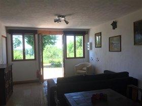 Image No.16-Maison de 17 chambres à vendre à Châtel-Montagne