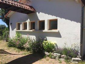 Image No.19-Maison de 17 chambres à vendre à Châtel-Montagne