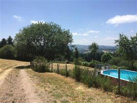 Image No.2-Maison de 17 chambres à vendre à Châtel-Montagne