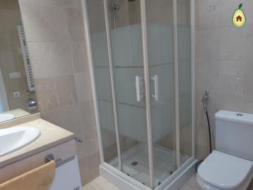 V-Bathroom-2