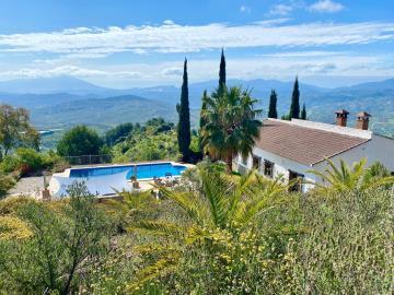 Pool-house-views-USE
