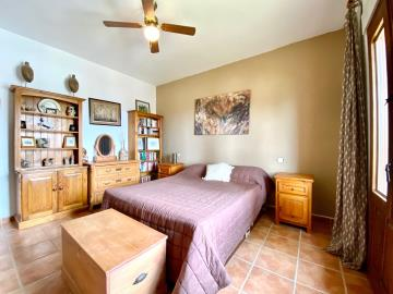 Bedroom-2USE