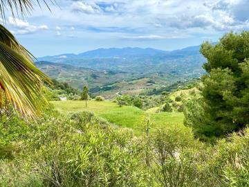 Land-and-views-4-USE
