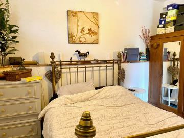 Stable-bedroom