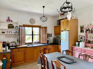 Stable-kitchen